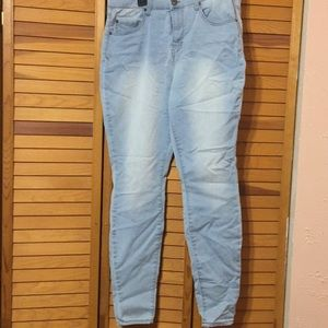 Mudd Skinny Jean size 15 Excellent condition!